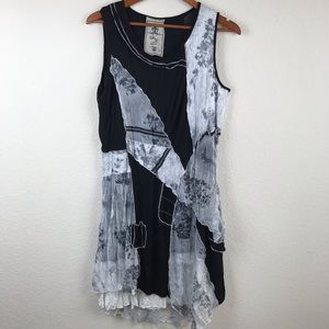 Sleeveless black and white dress size XL